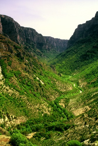 The Vikos canyon - original scanned photo. Canon EOS 650, ND Grad filter, Velvia ISO 50