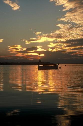 Sunset boat small