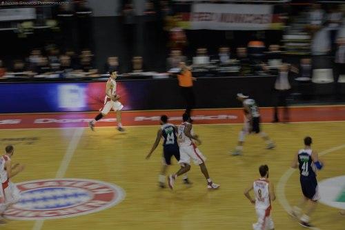 Panning shot basketball Sloukas Olympiakos