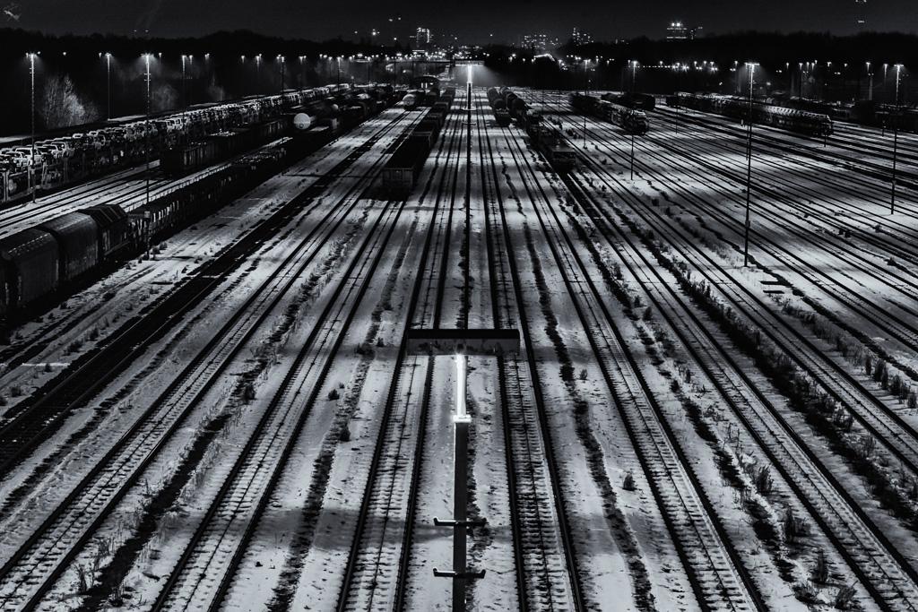 Railroad tracks, Notis Stamos, Munich, Night, Snow, B&W