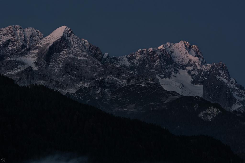 NotisStamos Zugspitze Alpsspitze Dawn